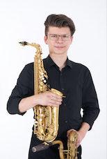Christoph Kirschke – Saxophon lernen und spielen –Unterricht und Musikstücke –Frederic, Alt- und Baritonsaxophon
